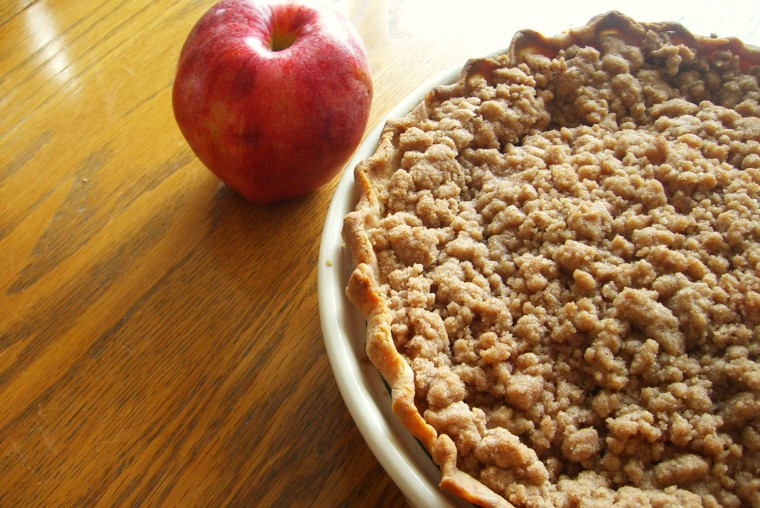 Gluten-Free Cinnamon Apple Crumble Pie