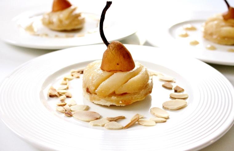 Salted Caramel Pear Tarts | Cakes 'n' Bakes
