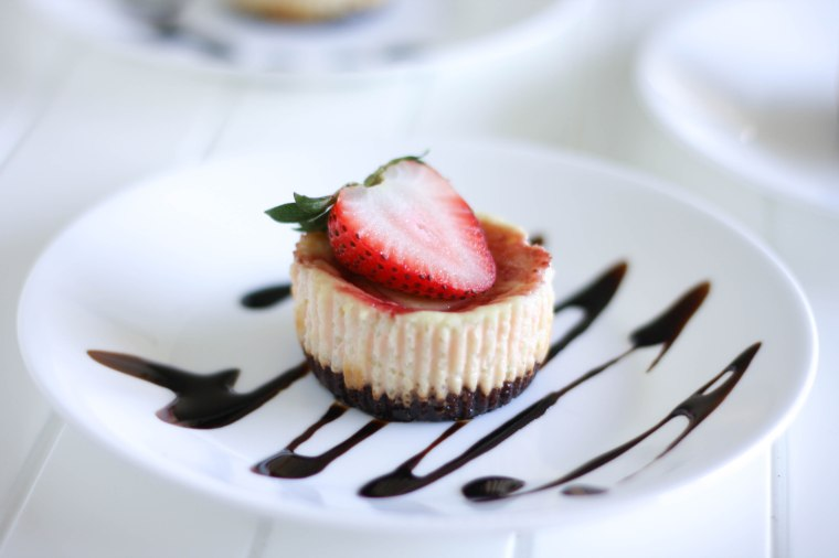 Gluten-Free Strawberry Greek Yogurt Cheesecake